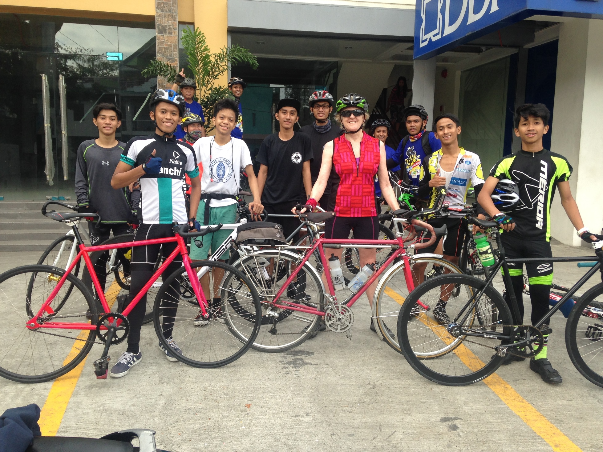 Antipolo with young guys on fixies
